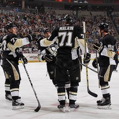 Circle up your friends and take out your calendars. #Pens preseason tickets are on-sale now! Head over to penguins.nhl.com to purchase.
