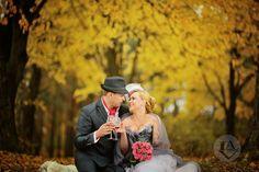 Осень - прекрасная пора для свадеб. Буйство красок и глубина чувств. Autumn is a lovely time for weddings. A riot of colors and depth of feeling.  #weddingvip #follow #celebration #luxury #bride #love #style #lifetime #unique #свадьбаотанастасиилавер #party #weddingparty #Minsk #Moscow #celebration #happy #fantasy #dreams #flowers #rose #bridal #laverwedding #miracles #fragranse #muse #amazing #pull #weddingblog_ru #acquainted #LAVER #OlgaPokrovskayaphotographer
