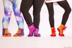 Ihan oikea blogi?: Virkatut tennarit Knee Boots, Socks, Pants, Fashion, Trouser Pants, Moda, Fashion Styles, Knee Boot, Sock