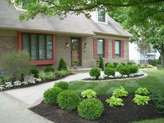 Cool 90 Simple and Beautiful Front Yard Landscaping Ideas on A Budget https://homeastern.com/2017/06/19/90-simple-beautiful-front-yard-landscaping-ideas-budget/