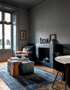 Ковер Удобное кресло с лампой для чтения