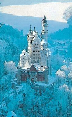 I want to live in Neuschwanstein Castle!
