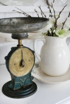 Antique scale / Nice. I like the name of your board and the items they show. I like it, very nice.