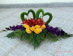 Arte Floral, Floral Arrangements, Display Ideas, Flowers, Plants, Contemporary Flower Arrangements, Modern Floral Arrangements, Flower Arrangements Simple, Church Flower Arrangements