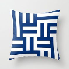 Interlocking Pillow Cover