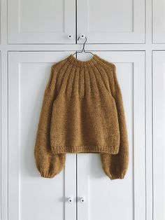 Jumper Knitting Pattern, Knitting Patterns Free, Free Knitting, The Purple, Alpaca, Knit In The Round, Coat Patterns, Stockinette, Knit Fashion