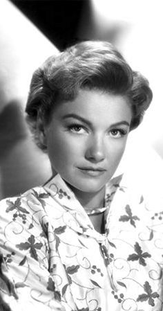 I see your Betty White and raise you Anne Baxter Old Hollywood Movies, Hollywood Actor, Golden Age Of Hollywood, Vintage Hollywood, Hollywood Stars, Classic Hollywood, Hollywood Glamour, Anne Baxter, Classic Actresses