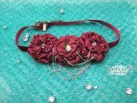 Headband Jilbab ini tampil memukau dengan rangkaian bunga rose indah yang dihiasi kristal mewah, dan rantai unik, anda siap tampil elegan denganya :)