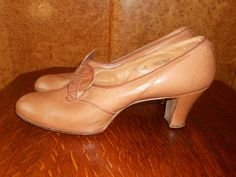 Nouveau Beauty - Vintage 1930s Caramel Shoes UK 5 1/2 - 6/ US 7 1/2 - 8. £65.00, via Etsy.