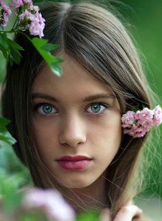 Gorgeous girl- pretty green eyes