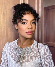 Cute Updo Hairstyles For Black Women Natural Hair 2019 - Hair Care Cute Hairstyles Updos, Cute Natural Hairstyles, Homecoming Hairstyles, Black Women Hairstyles, American Hairstyles, Updo Hairstyle, Party Hairstyles, Wedding Hairstyles, Tessa Thompson