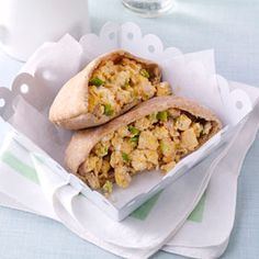 Ham & Egg Pita Pockets Recipe -A hearty, hand-held breakfast is just the… Diabetic Breakfast Recipes, Brunch Recipes, Pita Recipes, Diabetic Foods, Diabetes Recipes, Vegetarian Recipes, Dinner Recipes, Fun Easy Recipes, Easy Meals