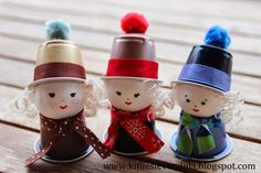 Cute little characters made out of Keurig style coffee disposable capsules. This page is in Hungarian, but web browser translated. Great idea for homemade ornaments. K Cup Crafts, Summer Crafts, Holiday Crafts, Christmas Tree Themes, Diy Christmas Ornaments, Christmas Art, Preschool Crafts, Crafts For Kids, Homemade Ornaments