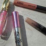 On the fourth day of Christmas my true love gave to me... 4 glossy lips ❤  #12DaysOfChristmas #lipstickluck12days #makeup #beauty #cosmetics #makeupblogger #makeupblog #beautyblogger #beautyblog #lipstick #lipstickjunkie #lipsticks #lippie #lipgloss #gloss #glossy #tinted #milani #milanimakeup #milanicosmetics #w7 #w7makeup #rimmel #kiko #kikomilano #makeupflatlay #flatlay #motd #makeupoftheday #lipstickluck