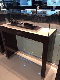 Choose best jewelry store showcase designs white suppliers and best store showcase manufacturers. Jova Display Furniture co. offers clients affordable modern shop furniture for jewelry watch,cosmetic,clothing and more. Showcase Store, Showcase Design, Jewellery Showroom, Jewellery Display, Furniture Factory, Modern Shop, Jewelry Showcases, Store Displays, Shop Interiors