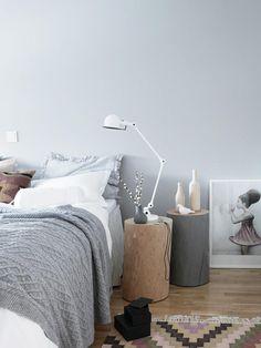 stumpery nightstand ( Het nachtkastje kocht ik bij Loods 5. Het roze ...