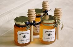 DIY Honey Jar Wedding Favors {Wedding Wednesday}