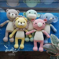 #LANAdolls #handmade #craft #crochetdoll #amigurumi #knitting #knittingdoll #crochet #doll #toy #cute #라나돌스창작연구소 #라나돌스 #손뜨개인형 #코바늘인형 #핸드메이드 #아미구루미 #귀여워 #인형만들기 #인형스타그램 #니팅돌 #대바늘인형 #화곡동 #오아시스안경원