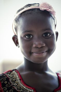 Beautiful Zambian girl at a wedding Photo by: Peder Bjorling