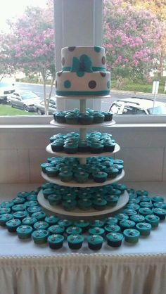 Quinceanera cake and cupcakes