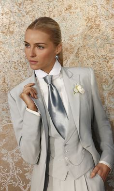 wedding dress Women In Suits Ralph Lauren Collection Spring 2012 - Best Androgynous Wedding Wear & Fashion Androgynous Fashion, Tomboy Fashion, Fashion Outfits, Womens Fashion, Style Fashion, Fashion Beauty, Ralph Lauren Style, Ralph Lauren Collection, Ralph Lauren Looks
