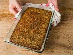 Bögrés mákos sütemény recept lépés 7 foto How To Dry Basil, Banana Bread, Food And Drink, Herbs, Desserts, Tailgate Desserts, Deserts, Herb, Postres