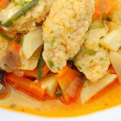 Egy finom Zsemlegombóc leves ebédre vagy vacsorára? Zsemlegombóc leves Receptek a Mindmegette.hu Recept gyűjteményében!