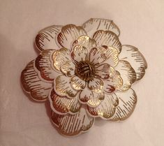 Gold on cream Arianna blooms