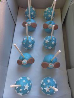 Cakepops para Aniversário com tema de aviãozinho