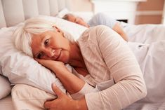 Insomnia in seniors is not uncommon but that doesn't mean a good night's sleep is not possible. There are many lifestyle and health changes that occur in the senior population that affect their ability to sleep well at night. #insomniainseniors Signs Of Alzheimer's, Insomnia Causes, Sleeping Pills, Menopause Symptoms, Metabolic Syndrome, Circulation Sanguine, Behavioral Therapy, Menstrual Cycle, Sleep Deprivation