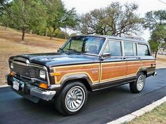 Classic Wagoneer >> My dad had one of these, it was quite the awesome automobile!