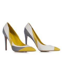 Decollete' in Minerva, vitello semilucido in mix di colori giallo, bianco e grigio