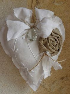 **COEUR A SUSPENDRE EN LIN BLANC BRODE ET PAMPILLE EN CRISTAL : Accessoires de maison par fleur-de-lin-creation Valentine Decorations, Valentine Crafts, Valentine Day Gifts, Valentines, Lace Heart, Heart Art, Sewing Crafts, Sewing Projects, Shabby Chic Hearts