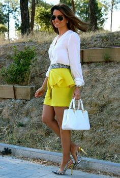 Fashion and Style Blog / Blog de Moda . Post: Oh My Looks Skirt : In Yellow / Falda Oh My Looks : En amarillo .More pictures on/ Más fotos en : http://www.ohmylooks.com/?p=23016 .Llevo/I wear: Skirt : Oh My Looks Shop (info@ohmylooks.com) ; Bag / Bolso : BARADA ; Shoes / Zapatos : Pilar Burgos Limited edition ; Sunglasses / Gafas de sol : Ray ban