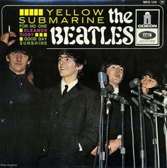 The Beatles - Yellow Submarine Beatles Album Covers, Beatles Albums, Lp Cover, Vinyl Cover, Liverpool, Beatles Singles, Rare Records, Beach Music, Les Beatles