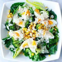 Sałatka z brokułami, kukurydzą i jajkiem | Kwestia Smaku