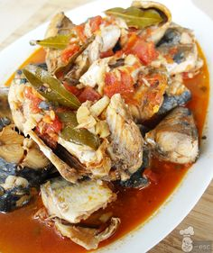 Seafood Dishes, Fish And Seafood, Seafood Recipes, Cooking Recipes, Mackerel Fish, Marinated Olives, Caribbean Recipes, Latin Food, Sweet And Salty