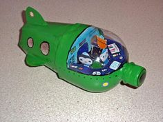 Octonauts - soda bottle toy submarine. Now I need to find someone who drinks soda! Easy Crafts For Kids, Summer Crafts, Projects For Kids, Diy For Kids, Octonauts Party, Recycled Crafts, Diy Toys, Activities For Kids, Arts And Crafts