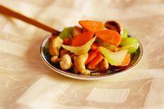 Telina, caju, morcovi stir fry Stir Fry, Fruit Salad, Asian Recipes, Fries, Food And Drink, Vegetarian, Vegan, Homemade Food, Blog