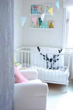 mod vintage nursery--I must have that blanket! Girl Nursery, Girls Bedroom, Nursery Decor, Nursery Ideas, White Nursery, Bedrooms, Baby Decor, Kids Decor, Home Decor