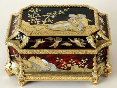 Casket from the dressing table set of Queen Marie Casimire Sobieska by Anonymous from France, end of the 17th century, Muzeum Pałacu Króla Jana III w Wilanowie