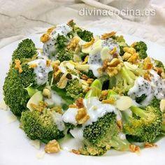 brocoli salsa de queso y frutos secos