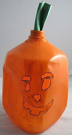Milk jug Jack-o-lantern craft