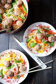 Rice noodle salad with pork meatballs