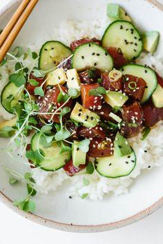 Ahi tuna poke in a white bowl. Tuna Recipes, Seafood Recipes, Healthy Recipes, Ahi Tuna Marinade, Ahi Tuna Poke, Ahi Tuna Sushi Recipe, Ahi Tuna Recipe Healthy, Poke Sushi, Tuna Tacos