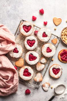 Hazelnut Linzer Cookies With Raspberry Chia Jam – Nourished Naturally Baking Recipes, Cookie Recipes, Dessert Recipes, Linzer Cookies, Valentines Food, Edible Gifts, Biscuit Recipe, Macaron, Dessert Bars