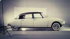 Para muchos especialistas, el Citroën DS es el coche más bello de todos los tiempos. - Externa