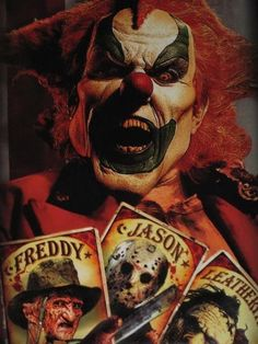 Universal Halloween Horror Nights from a couple of years back; I have this clown on a t-shirt, too! Clown Pics, Gruseliger Clown, Joker Clown, Creepy Clown, Creepy Stuff, Clown Mask, Royal Ballet, Scary Movies, Horror Movies