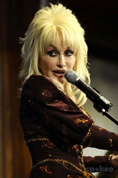 The National Press Club- Washington DC 02-10-2009 Academy Award Winner Singer/songwriter/actress Dolly Parton Talks to the National Press Club About Her Newly Released Album and Her Contributions with Helping Childrens' Literacy. Photo by Christy Bowe-Glo