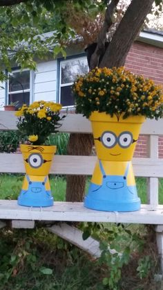 made flower pot minions today! - Modern - flowers pots diy -I made flower pot minions today! - Modern - flowers pots diy - Flower Pot Scarecrow Mrs Claus Clay Pot People Christmas Planter and Candy Bowl Flower Pot Art, Clay Flower Pots, Flower Pot Crafts, Painted Flower Pots, Painted Pots, Clay Pots, Clay Pot Projects, Clay Pot Crafts, Crafts To Make